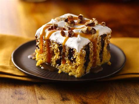 caramel drizzled pumpkin poke cake recipe  betty crocker