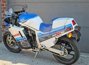 86gsxr750 2