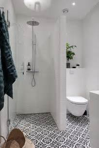 tiny bathroom design ideas best 20 small bathroom layout ideas diy design decor