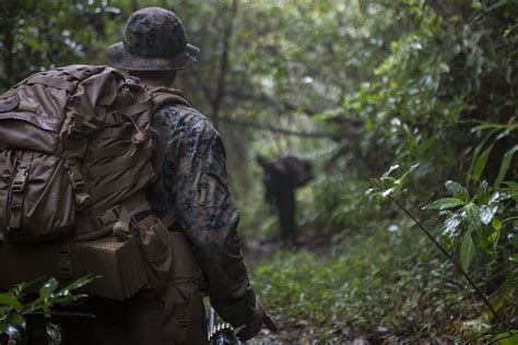 marines test fast drying tropical uniforms boots pacific