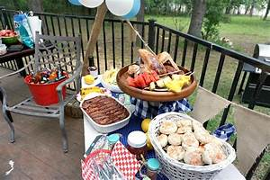 How to Throw a Backyard BBQ Party Together Fast & a