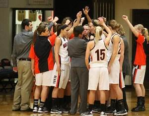 Women's basketball moves up to No. 3 in USA Today coaches ...