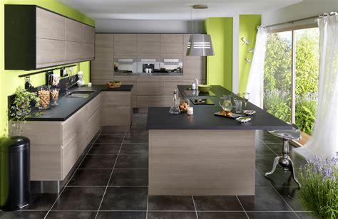 exemple de cuisine en u cuisine en bois un matériau plusieurs styles