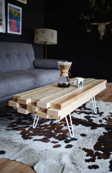 table basse diy en planches de bois easy diy coffee table made from superposed planks of wood
