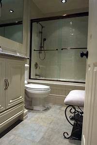 Tipps Für Kleine Bäder 4 Quadratmeter : badezimmer renovierungen f r kleine b der dieser quadratmeter gro e badezimmer bietet eine ~ Watch28wear.com Haus und Dekorationen