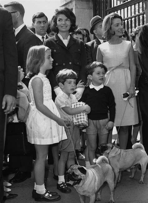 bw   celebrities   dogs monovisions