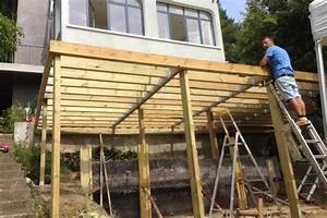 construction d une terrasse en bois sur pilotis evtod With construction d une terrasse en bois