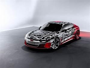 Audi E Tron Gt : audi e tron gt concept shows up in camouflage ~ Medecine-chirurgie-esthetiques.com Avis de Voitures