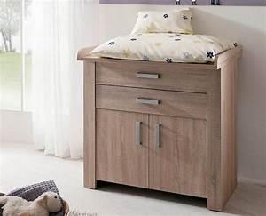 mobilier bebe la table a langer fonctionnelle en bois With chambre bébé design avec offrir des fleurs Ï distance