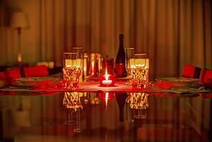 Decoration table pour diner romantique pratiquefr for Deco cuisine pour table a diner