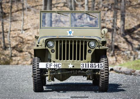 wwii jeep   crate set  cross greenwich auction