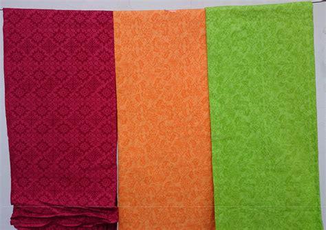 kain batik dan embos 05 jual kain batik embos katun merah tua orange hijau lime