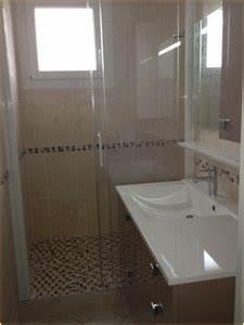 Fenetre Dans Douche : douche italienne avec marche interesting douche italienne avec marche with douche italienne ~ Melissatoandfro.com Idées de Décoration
