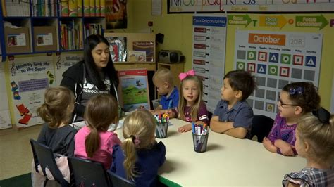 hit and by car in central fresno abc30 865   101118 kfsn 5p preschool spanish vid