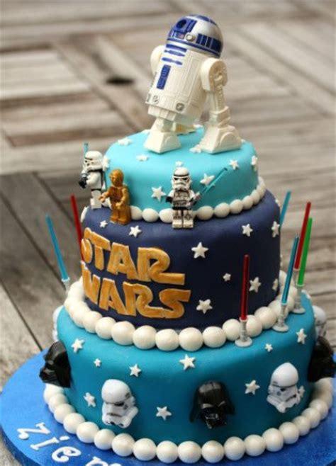 Pour une soirée spéciale star wars, pensez à vous déguiser ! Newest kids star wars cakes ideas.PNG