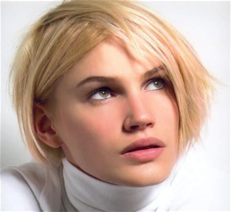 coiffure carré plongeant court modele coiffure carre court plongeant