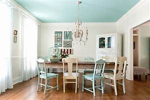 How to pick paint colors for your ceiling freshomecom for Kitchen colors with white cabinets with cactus print wall art