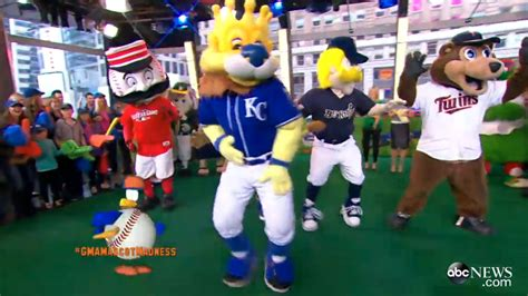 Show Me The Nfl Standings by Mlb Mascots Compete In U Can T Touch This Dance Off