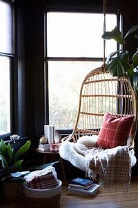 Coin de lecture dans la chambre 20 idees sur les meubles for Fauteuil lecture chambre