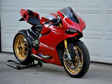 Panigale R. Note Switch To Standard Akrapovic After Years
