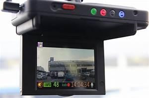 Camera Pour Voiture : roadeyes la cam ra embarqu e pour votre voiture darty vous ~ Medecine-chirurgie-esthetiques.com Avis de Voitures