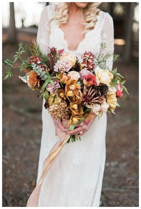 red oak weddings  wedding flowers   fall