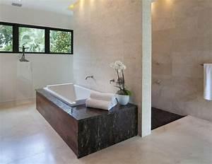 idees originales de decoration avec des orchidees With salle de bain design avec objet décoratif rugby