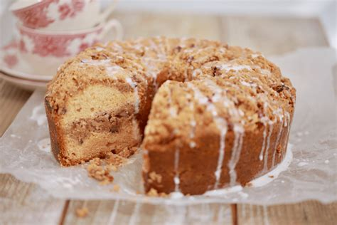 Coffeecakes.com specializes in gourmet gifts and has been family owned and operated since 1995. Classic Coffee Cake Recipe - Gemma's Bigger Bolder Baking
