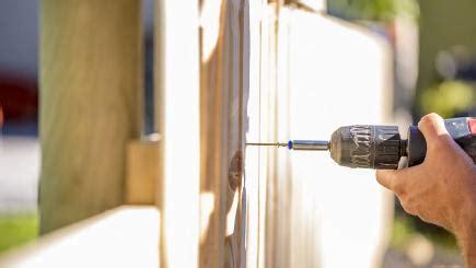 fix  broken fence simple ways  fix blown