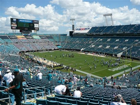 The jaguars, along with the carolina panthers, started play in the 1995 nfl season as expansion teams. Gallery Jacksonville Jaguars Everbank Stadium