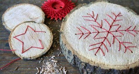 baumscheibe holzanhanger basteln zu weihnachten christmas