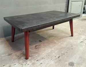 Table Basse Ancienne : ancienne table tolix t55 reconvertie en table basse ~ Dallasstarsshop.com Idées de Décoration