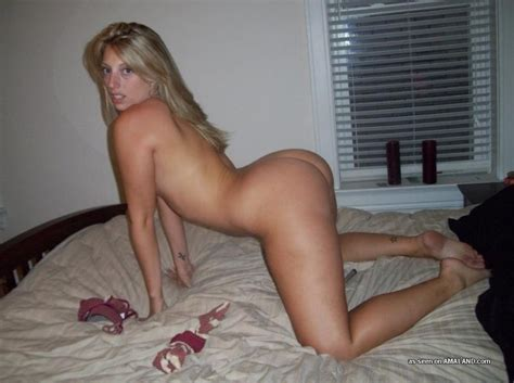 Blonde Wife With A Tight Ass And Smooth Shaven Snatch Pichunter