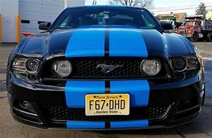 Ford Mustang Blue racing stripes | AJR Signs and Graphics