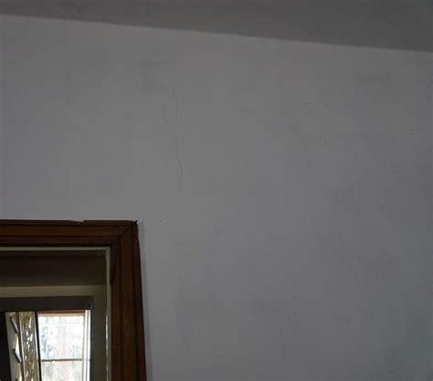Crepe Sul Soffitto by Forum Edilizio Discussione Su Crepe Nel Soffitto Passanti