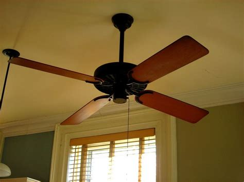 10 you re probably using your ceiling fan wrong hot air