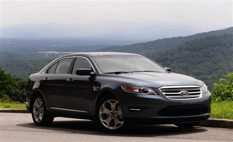 ford taurus photo gallery autoblog