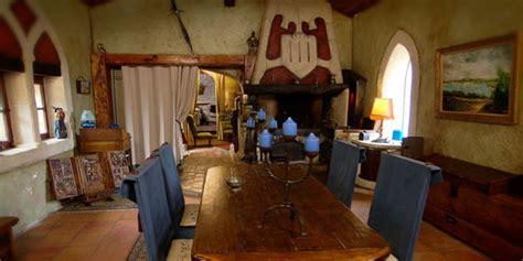 canapé toulouse intérieur de la maison médiévale à toulouse