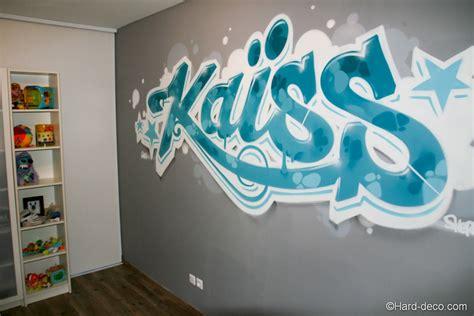 chambre graffiti graffiti décoration turquoise dans la chambre du petit kaïss