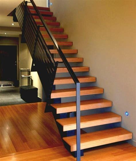 escalier droit moderne 20170827083633 arcizo com
