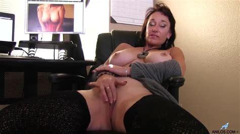 Anilos Mature Slut Sugar Sweet Rubbing Pussy On The Desk