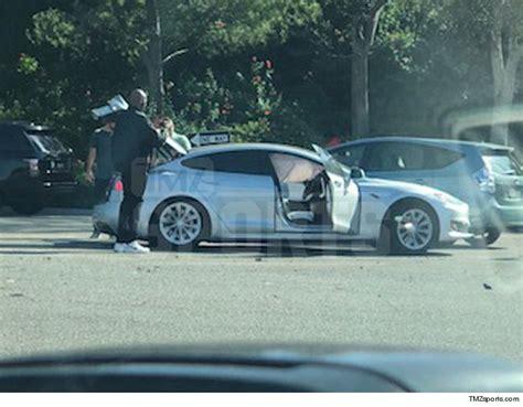 kobe saves woman  car accident blacksportsonline