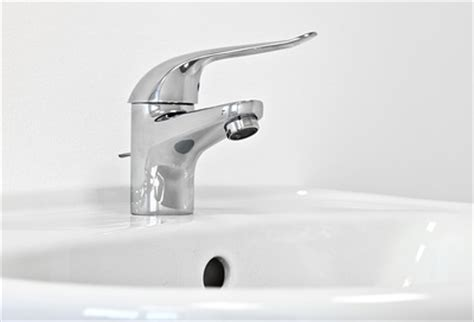 abfluss verstopft hausmittel salz abfluss verstopft hausmittel abfluss reinigen dusche genial essig backpulver abfluss amyrue
