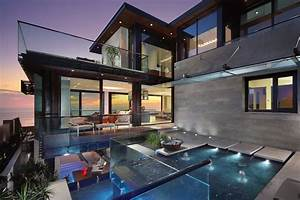Modern Beautiful Home with Reflecting Ponds: Most ...