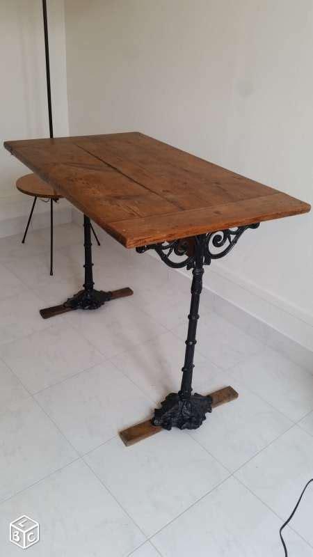 table de bistrot ancienne en bois  fonte