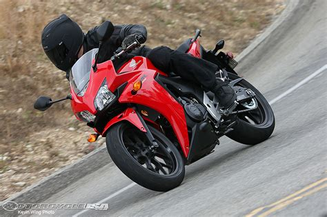 Honda Cbr500r Hd Photo by 2013 Honda Cbr500r Ride Photos Motorcycle Usa