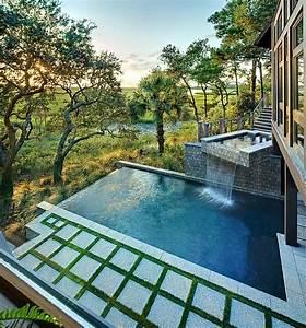 Piscine Soleil Service : jardin piscine avec cascade pour observer en calme les ~ Dallasstarsshop.com Idées de Décoration