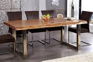 table a manger bois d39acacia pieds chrome comforiumcom With salle À manger contemporaine avec table en verre ronde conforama
