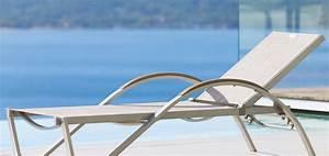 Bain De Soleil Avec Accoudoir : am nager un salon d t notes de styles le blog ~ Teatrodelosmanantiales.com Idées de Décoration