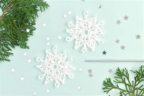 How To Crochet An Easy Snowflake